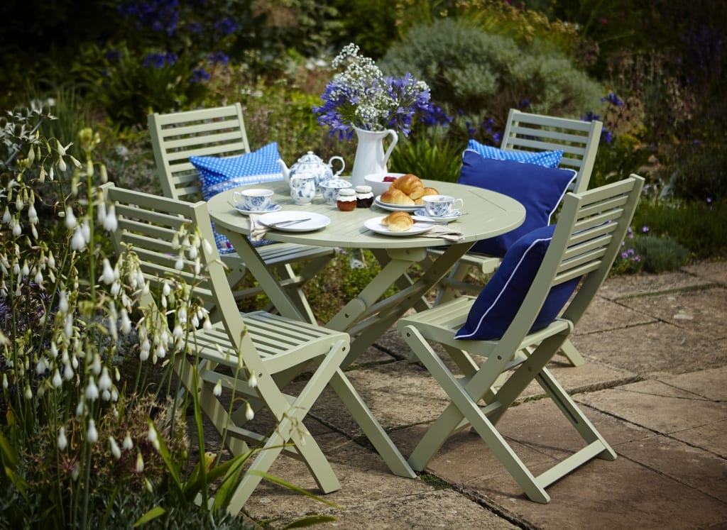 How to integrate patio furniture into your garden design for Garden design fest 2014