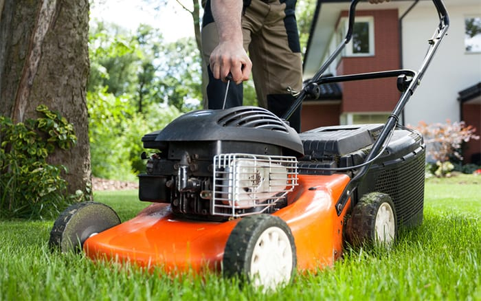 lawn-mower sharpen blades before spring mowing