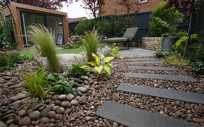 Love your garden series 4 episode 1 before and after for Decorative river stones