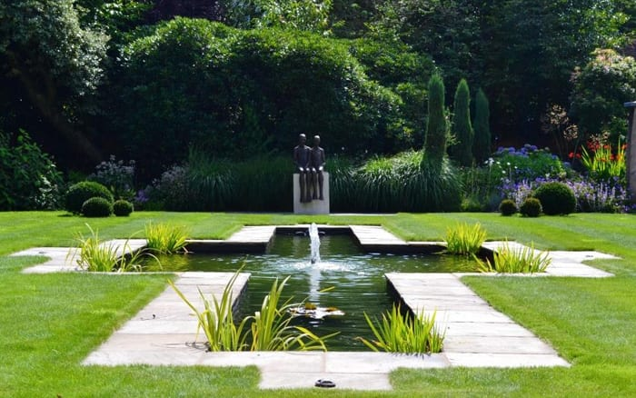 Love your garden get the formal look from episode 7 for Formal garden
