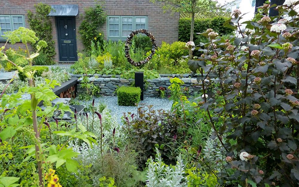 Chelsea flower show 2015 show garden photo gallery for Chelsea flower show garden designs