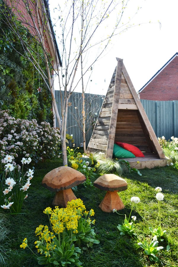 love-your-garden-wooden-teepee