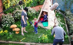 perrins-seedhouse-family-love-your-garden-in-finished-garden