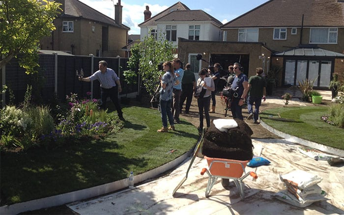 10-alan-titchmarsh-on-set-filming-love-your-garden