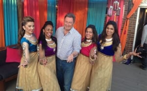 20-alan-titchmarsh-indian-dancers-bollywood