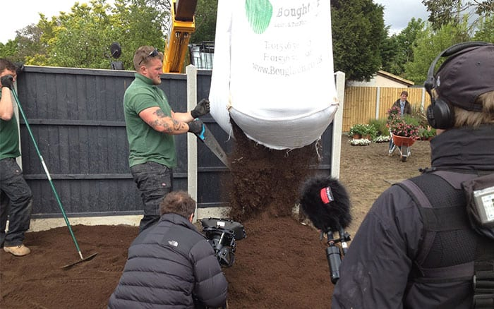 6-getting-soil-into-the-garden