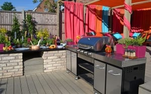 love-your-garden-2015-outdoor-kitchen-dining-area-outdoor-living