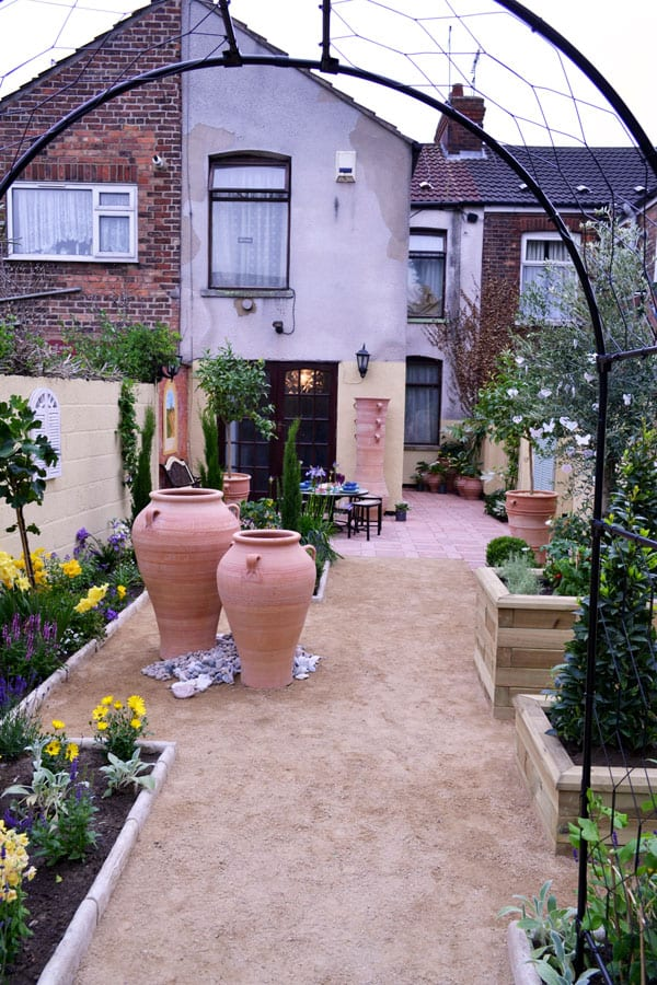 love-your-garden-finished-garden-makeover-series-5-2015