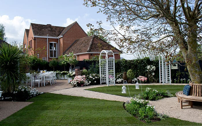 white-arches-circular-lawn-love-your-garden-make-over