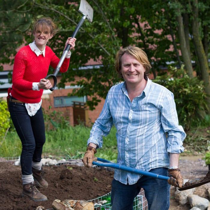 6-katie-rushworth-david-domoney-love-your-garden-presenters-on-set