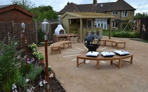 seating-and-bar-area-finished-garden-love-your-garden