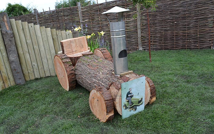 wooden-log-tractor-love-your-garden