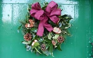 christmas-evergreen-wreath-how-to-make-a-diy-handmade-wreath