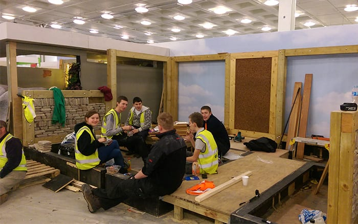 askham-bryan-college-young-gardeners-2016-build