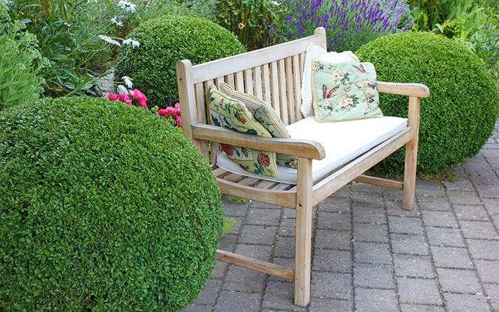 wooden-bench-garden-design-seating-area