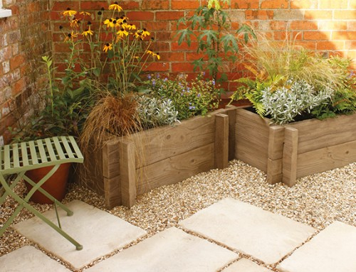 Competition time! Win a pair of stunning planters from Bradstone!