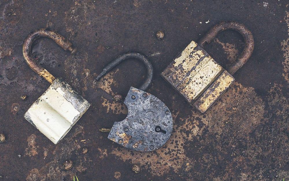 broken-padlocks