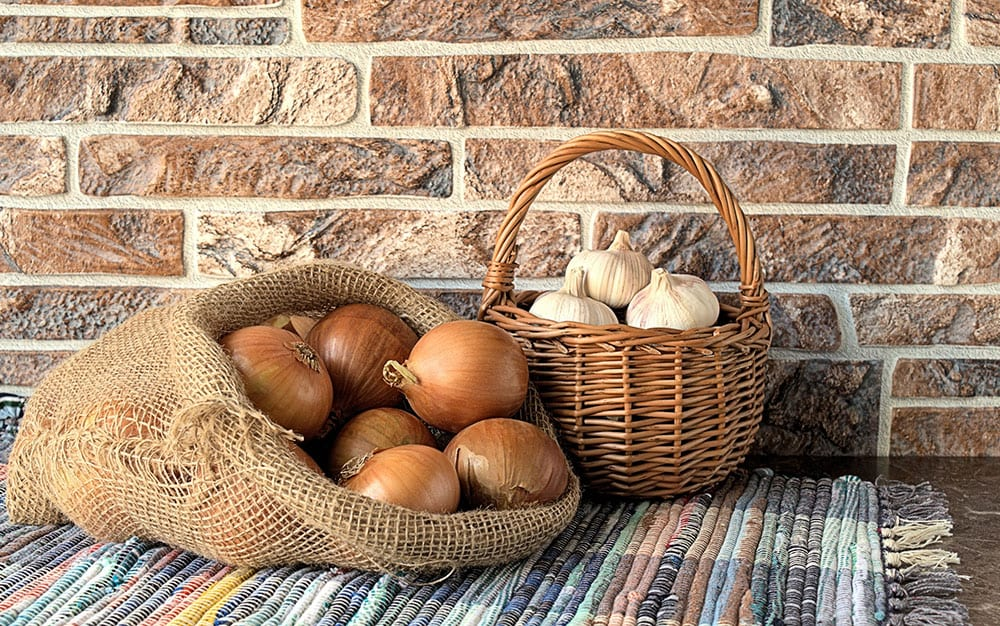 onion-garlic-basket