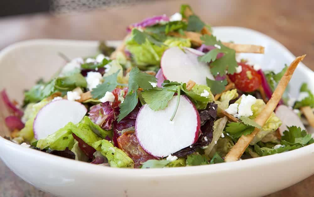 Salad-with-radishes