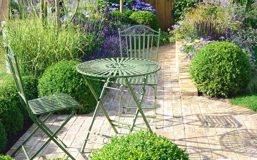 green urban garden