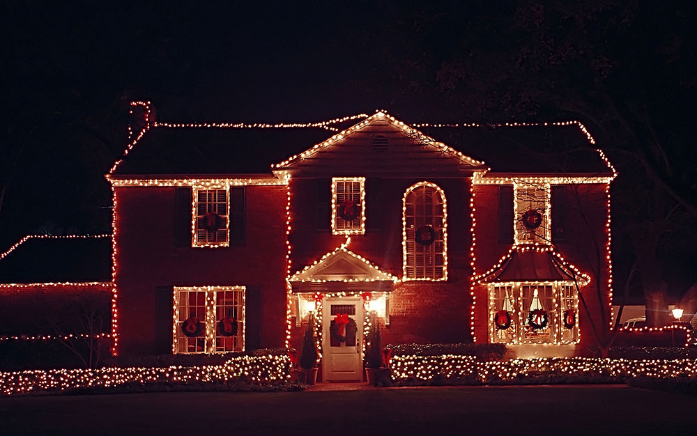 large-house-outlined-christmas-lights