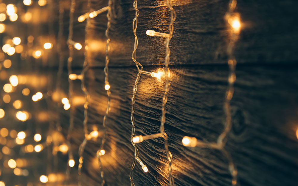 string-lights-dangling