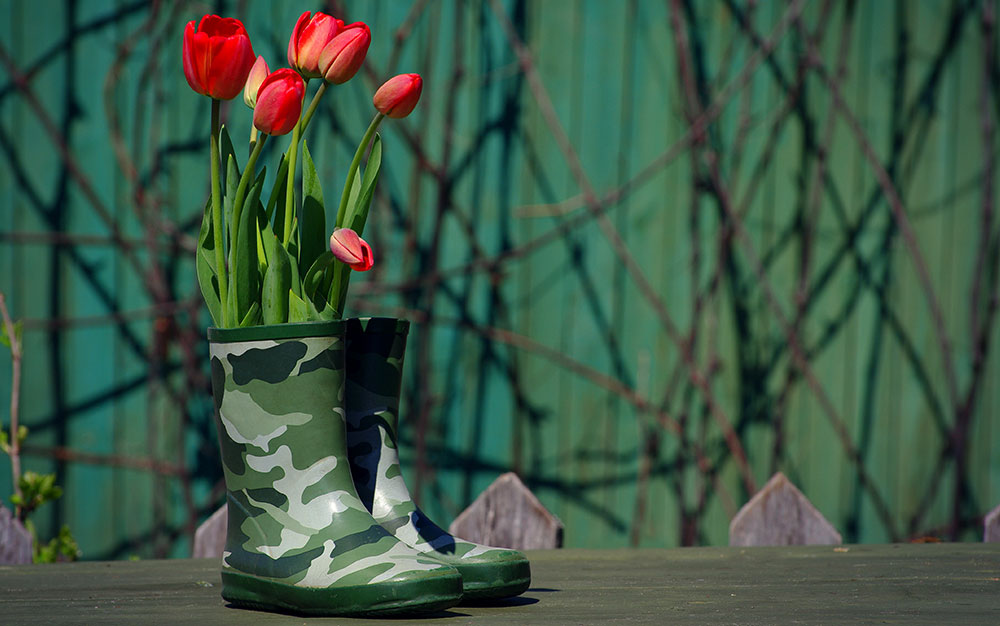 khaki-welly-planters