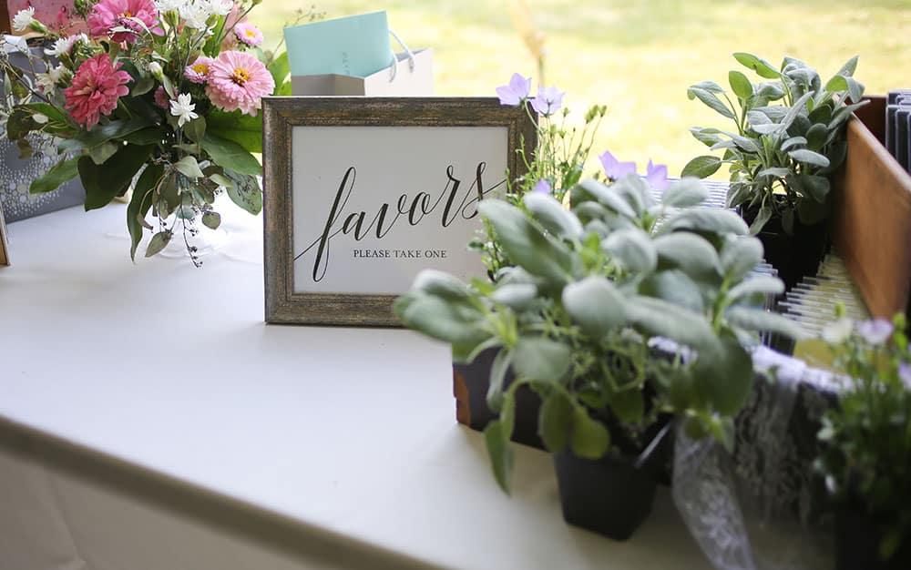 garden wedding favours