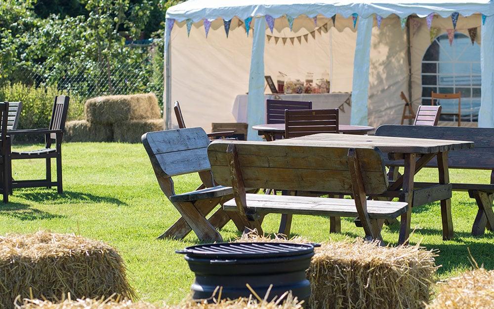 garden wedding hay bales