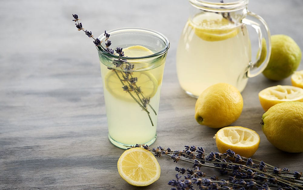 Lavender-sprigs-in-lemon-drink