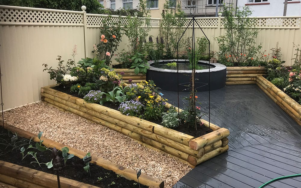 Finished-garden-with-raised-bed-features