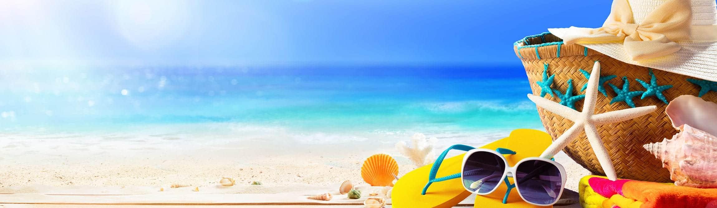 Holiday-sunhat-flip-flops-sunglasses-banner