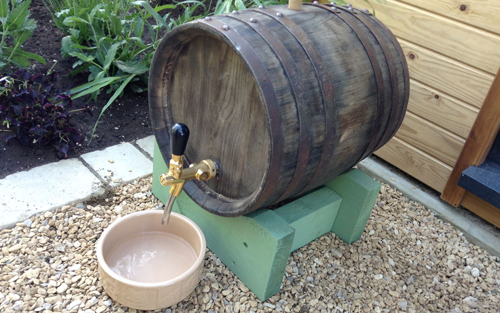 Dog-water-bowl-beer-barrel
